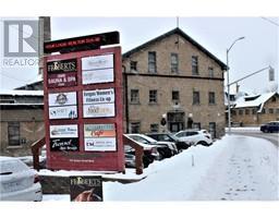 15C -  105 Queen Street W, fergus, Ontario